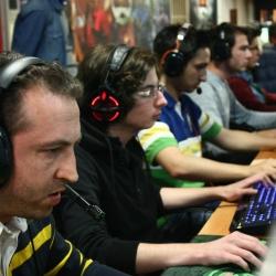 Kullandıkları ekipmanlarla turnuvanın en renkli takımı ödülü Crymotion'a!Kullandıkları ekipmanlarla turnuvanın en renkli takımı ödülü Crymotion'a!
